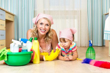 Naučte se uklízet efektivně, budete mít víc času na děti i sebe.
