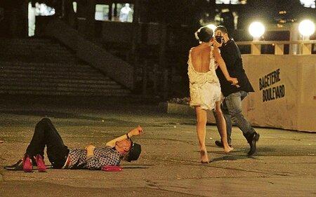 Agátu vytočil amatérský fotograf, který ji fotil v choulostivých situacích.