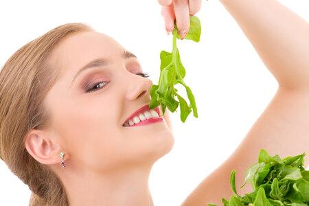 Zapomeňte na školní jídelnu a udělejte si skvělý špenát z čerstvých listů.