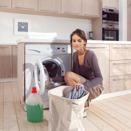 Tiché pračky můžete vystěhovat z koupelny do kuchyně.