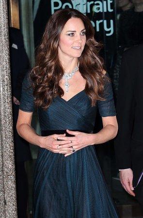 Naznačuje snad tato póza, že je vévodkyně opravdu těhotná?