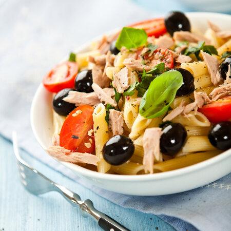 Těstovinový salát s tuňákem