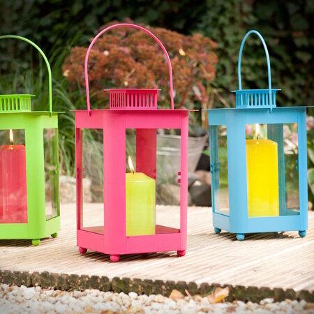 Barevné lucerničky na zahradu, Lighthouse, Butlers, 379 Kč.