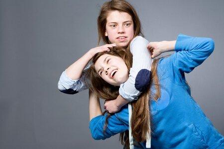 Je normální mít někdy sestry plné zuby
