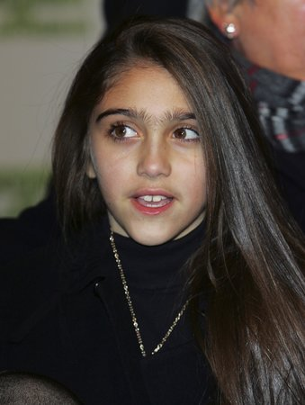 Dcera zpěvačky Madonny Lourdes Leon vypadá spíš jak dítě vlkodlaka.