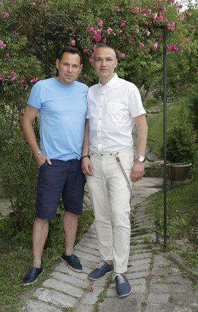 Dům a zahradu obývá Pavel Vítek dlouhá léta s Janisem Sidovským.