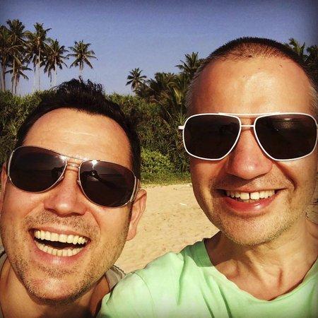 Pavel Vítek se svým životním partnerem Janisem Sidovským si užívali na Srí Lance.