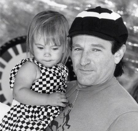 Robin Williams ještě touto vzpomínkovou fotkou stihl popřát své dceři k 25. narozeninám