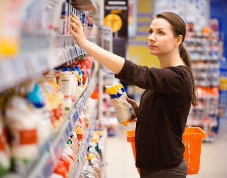 Při nákupu potravin sledujte i jaká je jejich energetická hodnota.