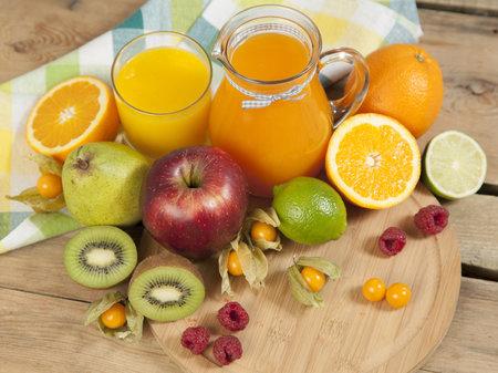 Při nákupu ovocných džusů sledujte hlavně složení, konkrétně jaká umělá sladidla a cukry jsou do nápojů přidávány.