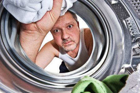 muž, pračka, prádlo, praní