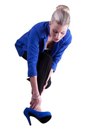 Při nošení podpatků hrozí větší riziko úrazů kotníků.