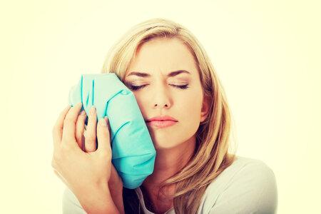 Zubní kaz ve většině případů nebolí.