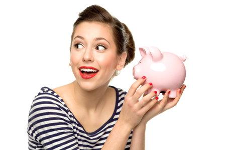 Kvalitní kosmetika nemusí být drahá. Skvělé kousky seženete i pod stovku.