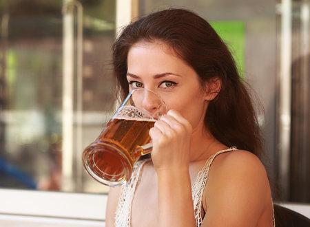 Jedno velké pivo z vás vyprchá zhruba za dvě hodiny.