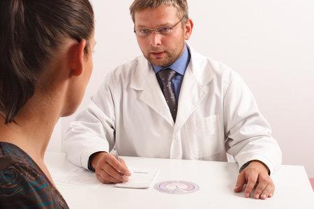 Když máte stejného gynekologa jako vaše matka, můžete se dostat do trapné situace.