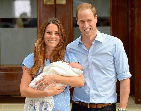 Princ George se narodil 22. července 2013 v nemocnici St. Mary´s v Londýně.