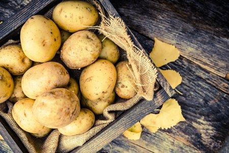 Jestliže neodoláte bramborám jako příloze, uvařte si je ve slupce, mají tak nejnižší glykemický index a nebude vás pak tedy tolik honit mlsná.