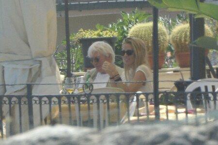 Dvojice na dovolené v Itálii.