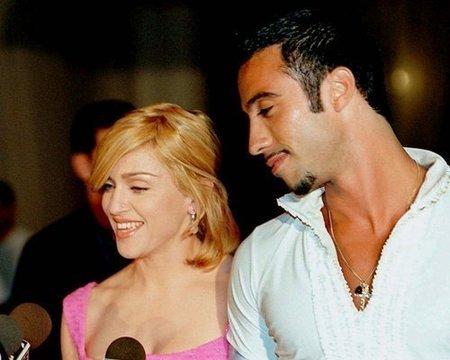 Madonna a Carlos Leon