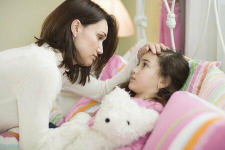 Spektrum nemocí, které na děti útočí, je velmi široké, od lehkých forem nachlazení, angín, přes záněty středního ucha až po těžké zápaly plic.