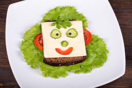 Nebojte se do přípravy jídla vložit i trochu kreativity, dítě to pak bude více bavit a spíše to sní.