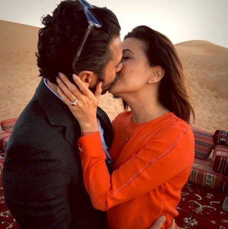 Eva Longoria dostala nádherný zásnubní prstýnek.
