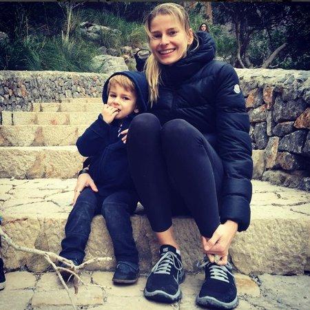 Hana (30) se svým synem Finnem.