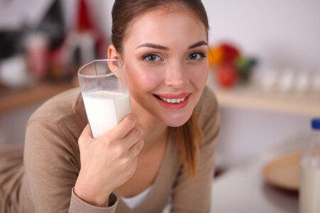 Mléko nezahleňuje.