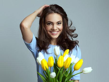 Ženy s květinou
