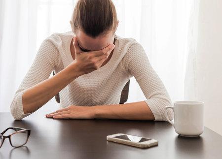 Bolest hlavy může být i ze stresu.