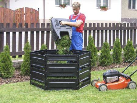Pevný a kompaktní kompostér K 390 pojme až 400 litrů biomasy