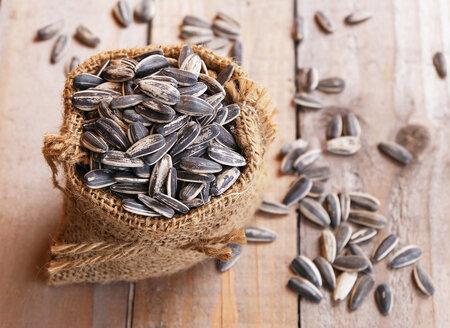 Slunečnicová semínka vám pomohou udržet chutě na sladké na uzdě.