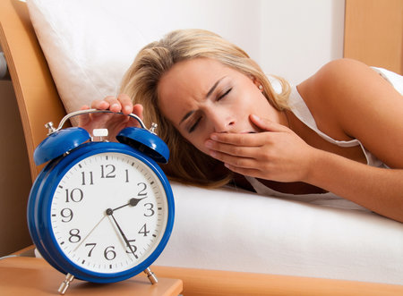 Syndrom neklidných nohou může vést nakonec až k problémům se spaním.