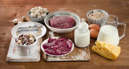 Vitamín B12 získáte hlavně z jídla.