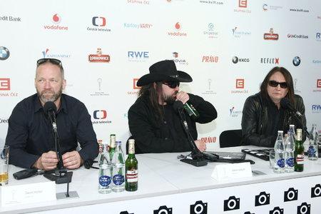 Kodym popíjel pivo z lahve během tiskovky.