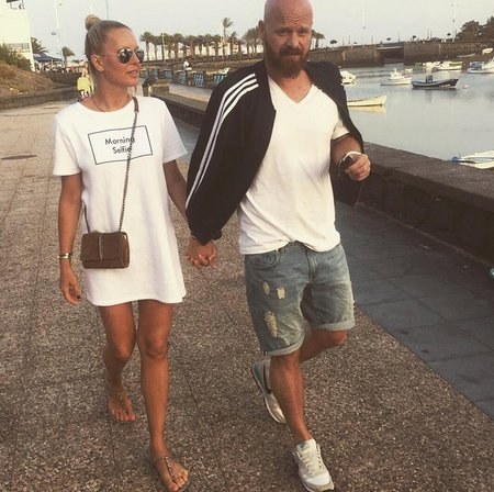 Simona s Karlem na dovolené
