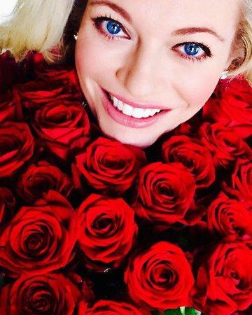 Lucie Borhyová dostala na Valentýna pugét růží.