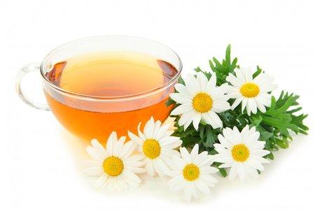 Čaje z pročišťujících bylinke nastartují detoxikaci