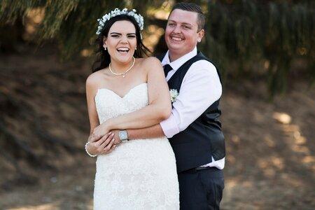 Bridie se svým novomanželem.