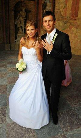 Novomanželé se pochlubili prstýnky