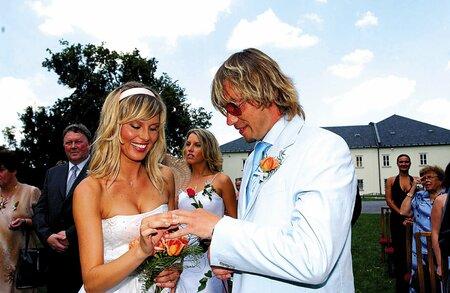 Svatba Bořka Slezáčka a Simony Krainové v roce 2004