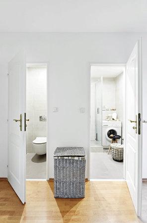 Koupelna a toalety krásně ladí.