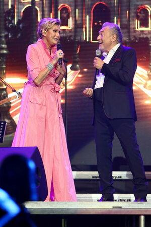 Helena Vondráčková si zazpívala po deseti letech na jednom pódiu s Karlem Gottem.