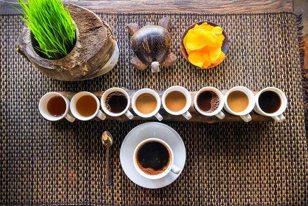 Na balijských kávových plantážích dostanete i ochutnávky místních delikates.