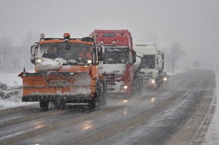 Počasí dává řidičům zabrat.