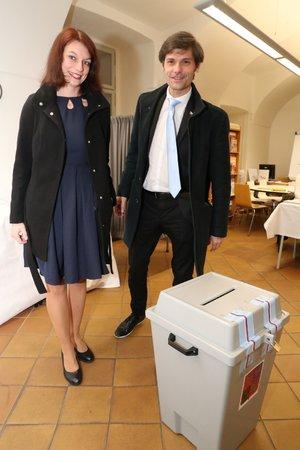 Marek Hilšer s manželkou mají odvoleno.