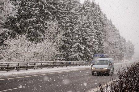 Počasí dává řidičům zabrat
