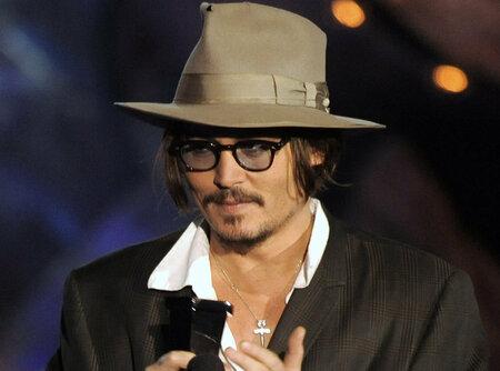 Johny Depp dal číšníkovi v přepočtu 70 tisíc korun.