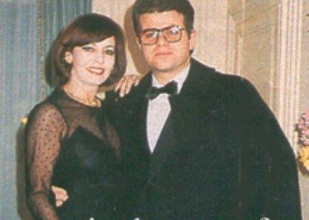 Přelom sedmdesátých a osmdesátých let: Michèle se svou láskou Adrienem Jancou. Po dvou nevydařených manželství potkala mladého obchodníka se dvěma dětmi. Bezdětná herečka se ráda vzdala už téměř neexistující kariéry a zůstala v domácnosti. Po dvou letech a krátce před svatbou Adrien Jancou zemřel na rakovinu.